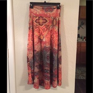 Pretty skirt with earthy colors and designs